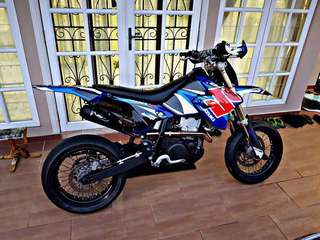 2010 DRZ 400 cc 🇸🇬 Singapore Supermotard . Condition Very2 Good!! Changed A lot of things. Cash Only: RM 9000 NETT