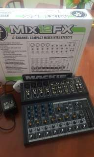 🚚 Mackie 12 channel mixer with effects
