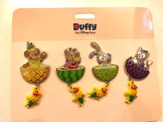 大特價全新迪士尼水果 Duffy Shelliemay Stellalou Gelatoni pins 徽章/襟章