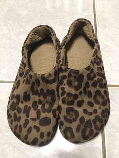 🚚 日牌豹紋雪靴