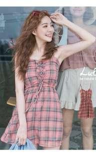 轉賣lulu's全新💗乾燥玫瑰色格紋💋細肩帶洋裝😍(有安全褲喲)