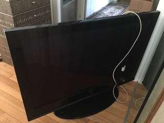 "TV ~ 42"" Samsung"