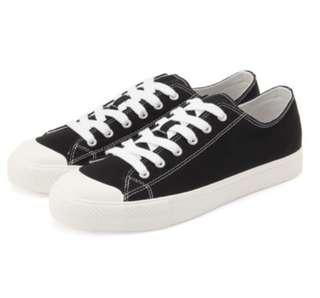 無印良品有機棉黑白球鞋