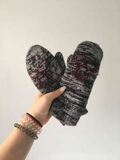 tna gloves