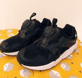 PUMA 輪盤黑白運動鞋👟