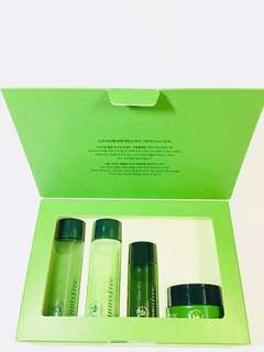 Innisfree Green Tea Special Kit EX ( 4 Items Trial Kit )
