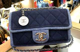 美品Chanel牛仔拼布吊牌銀扣Flap bag 22x12x6cm