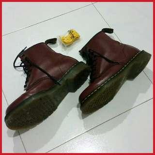 Dr Martens Air Wair Boots - Unisex