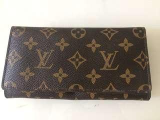 Fake Louis Vuitton wallet