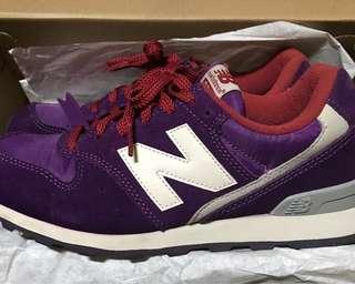 NEW BALANCE 996深紫色慢跑鞋