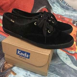 KEDS VELVET BLACK SHOES