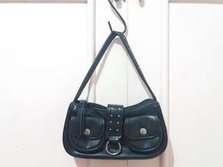 BLACK SHOULDER BAG (IMPORTED)