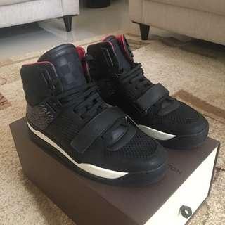 Sepatu Louis Vuitton Trailblazer Sneaker Boot