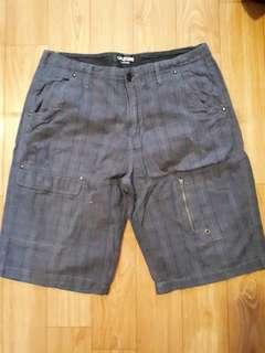 Celana bermuda pria,celana pendek pria