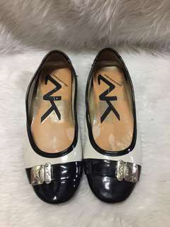 Authentic anne klein size 5.5