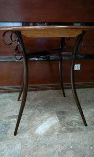 RUSH: Round Dining table 4 seater