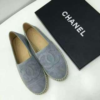 Chanel swipe for more design colors