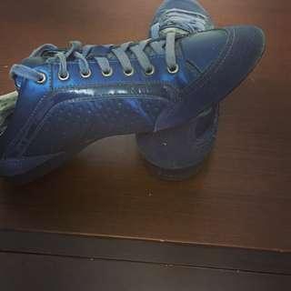 Authentic Sepatu Pedro