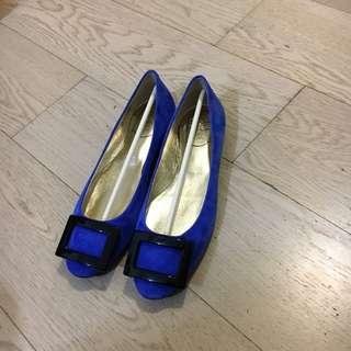 Roger Vivier 深藍色猄皮平底鞋 37.5 Size 有單