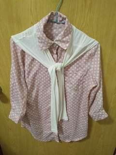 🚚 粉紅白點披肩襯衫