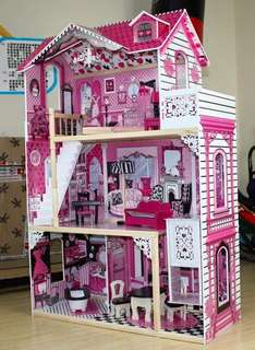 Angelica's Doll house