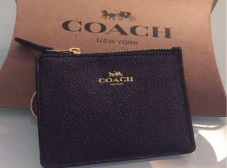 🚚 COACH MINI SKINNY 十字紋皮革證件套(深灰亮粉)
