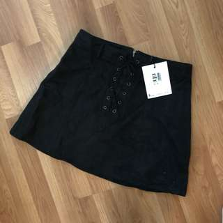 💕RRP:$50 tie up classic black skirt