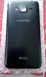 Tutup Samsung J3