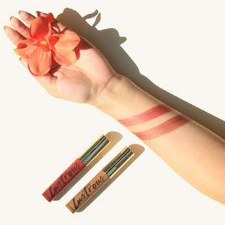 Lustrous lip and cheek tint shadr of raw