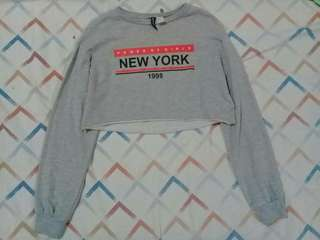 H&M cropped sweatshirt