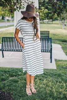 🌷U.s stripe dress  🌻Cotton  💐two colors ( black,white ) 🌷fit s to L (One Size) 🎀Good Quality 💕