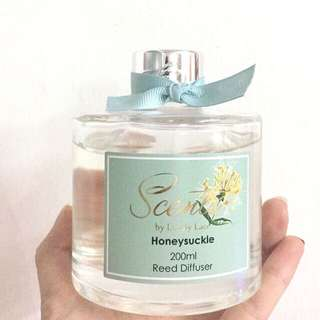 Lovely lace scent-honey suckle