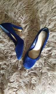 Heels cnk sepatu charles & keith