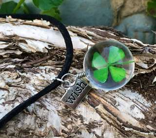 LUCKY FOUR LEAF CLOVER GLASS BALL NECKLACE