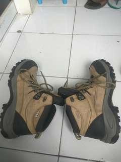 Sepatu Gunung Rei Conrad Original