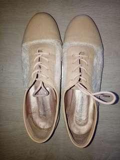 Preloved Gibi Shoes