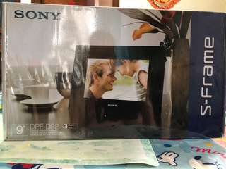 Sony DPF-92 Digital Photo Frame