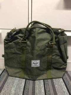 Herschel Gym Bag 1 stock green, 3 stocks gray