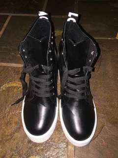Zhishang Sport Boots