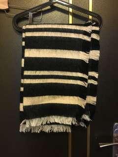 🚚 轉賣 黑白條紋 圍巾 毯子 披肩