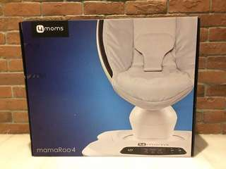 Mamaroo 4.0 bouncer and swing