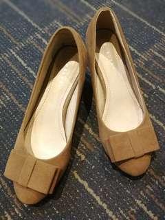 Chelsea Heeled Shoes