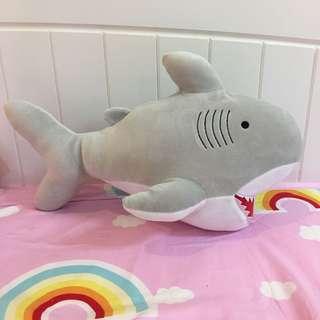 🚚 鯊魚玩偶 抱枕 娃娃