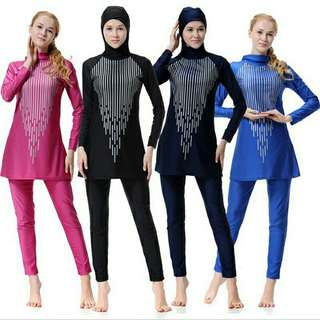 Muslim Woman Striped Swimming Suit