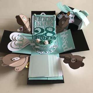 Brown bear explosion box with cake , 4 waterfall in black & Tiffany