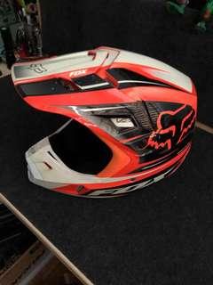 Fox V2 orange helmet & Thor Pulse Jersey Pants