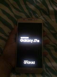 Samsung Galaxy j7 2016 ; 1 month old!!