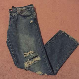 NWOT ZARA RIPPED STRAIGHT LEG DENIM SIZE 00
