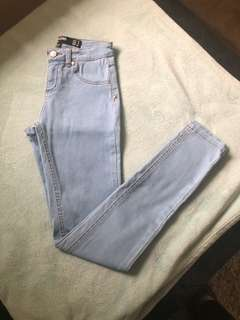 FACTORY High Wasted Jeans