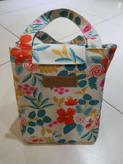 Cooler bag/ insulated bag